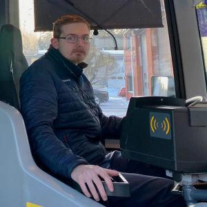 Rasmus Nurminen, linja-autonkuljettaja.