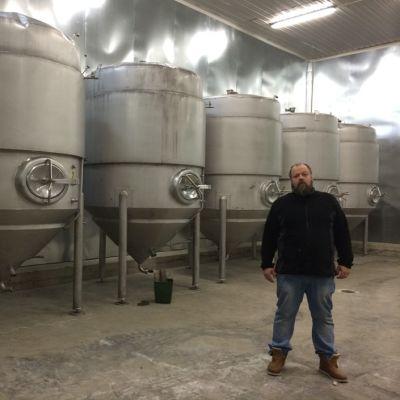 Uusia oluen käymistankkeja