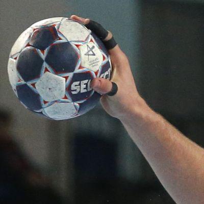 Käsipallon EM-karsinta FIN - SUI