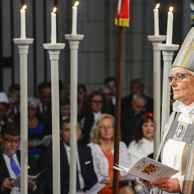 Lundin piispana toiminut Antje Jackelén asetetaan arkkipiispaksi Uppsalan tuomiokirkossa.