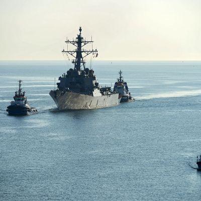 Yhdysvaltain laivaston ohjushävittäjä Donald Cook saapui Gdyniaan satamakaupunkiin Puolaan huhtikuun alussa.