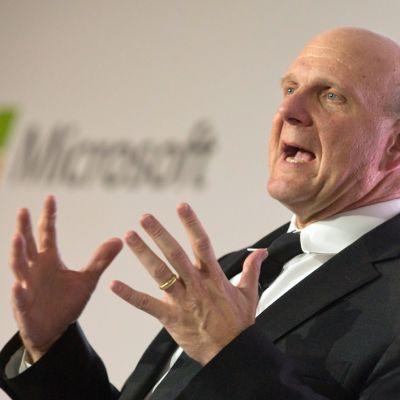Microsoftin entinen toimitusjohtaja Steve Ballmer lähikuvassa.