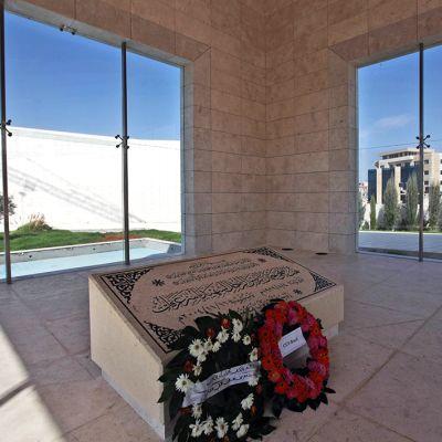 Jasser Arafatin hauta Ramallahissa Länsirannalla.