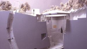 Arkitekten Hans Hollein planerade in museet Guggenheim Salzburg i ett berg.