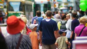 Människor på gatan.