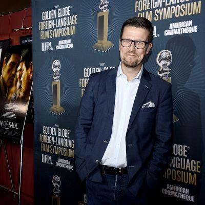 Klaus Härö ulkomaisten Golden Globe -ehdokkaiden symposiumissa, Hollywoodin Egyptiläisessä Teatterissa sunnuntaina.