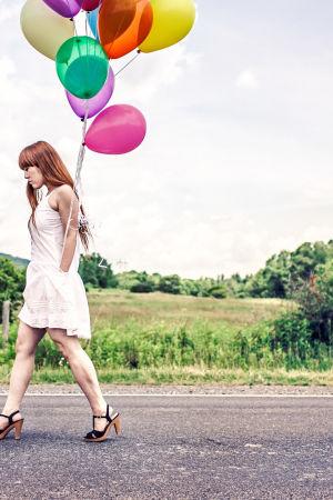 Erobileet. Nainen ja ilmapallo.