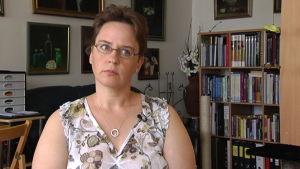 Kvinna i intervjusituation