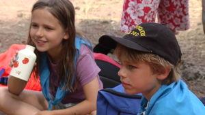 Anna och Sasha gillar lägermaten