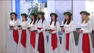 Lucia uppvaktade presidenten inför jul