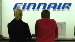 kunder vid Finnairs kontor