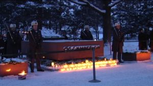 Hedersvakt vid marskalk Mannerheims grav på julafton