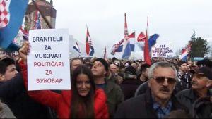 Demonstration mot kyrillska bokstäver på skyltar, 02.02.2013