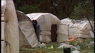 Illegala invandrare bor i ruckel nära staden Lepe i Spanien