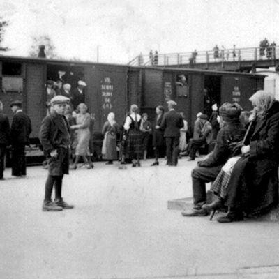 Evakkojuna on saapunut Suonenjoelle