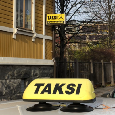 Takseja tolpalla
