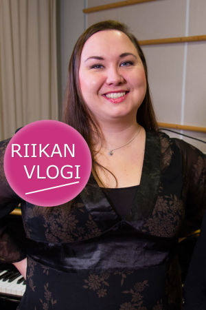 Sopraano Maria Turunen ja toimittaja Riikka Holopainen