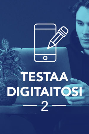 Tekstit: Digitreenit - Yle.fi/oppiminen - Testaa Digitaitosi 2. Taustakuvassa mies katsoo kannettavaa tietokonetta.