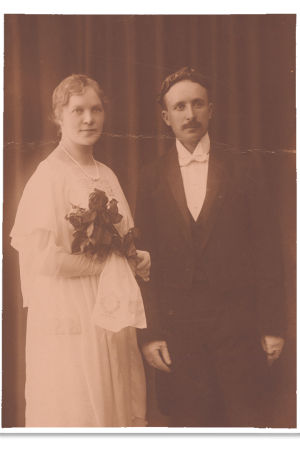 Esteri Salminen ja Väinö Pesola 1919.