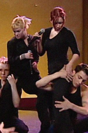 Nylon Beat esiintyy Linnunradan pianobaari -ohjelmassa 1998.