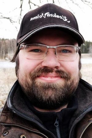 Viulisti Petteri Iivonen kotona Pirkanmaalla keväällä 2020.