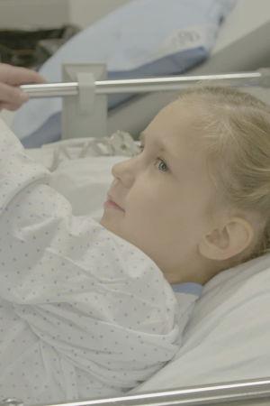 Milla on tullut Jorvin sairaalaan palovamma-arpien laserkorjaukseen.