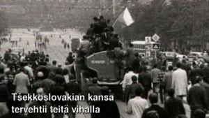 Prahan miehittäjiä ja miehityksen vastustajia