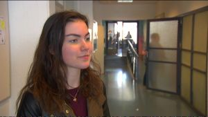 Saga Viitolahti går i åttonde klass på Kungsvägens skola i Sibbo.
