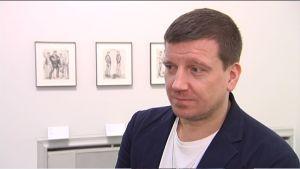 Stefan Kalmàr, kurator för utställningen och direktör vid Artists Space i New York