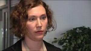 Anni Valovirta, överinspektör på Migrationsverket är ansvarig för människohandelsfrågor