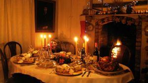 Englantilainen joulupöytä.