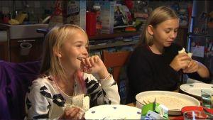 Emilie och Linnea Skog