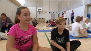 Emma Johansson och Viktor Hanski är femteklassister i Vindängens skola