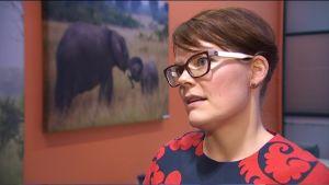 Porträtt på forskaren Kirsi Yli-Kaitala vid Arbetshälsoinstitutet.