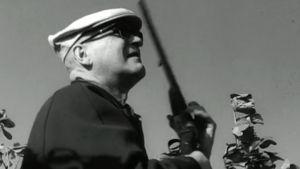Urho Kekkonen metsästää Intiassa ohjelmassa Vierailu Intiassa (1965)