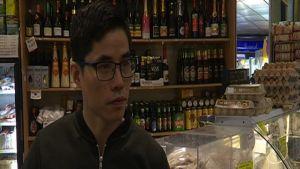 Michael jobbar i etnisk butik i Amsterdam