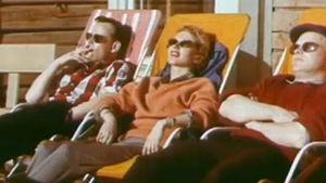 Lapin matkailijoita aurinkotuoleissa 1958