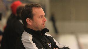 Tommy Österberg är förbundskapten för FInlands bandyherrar.