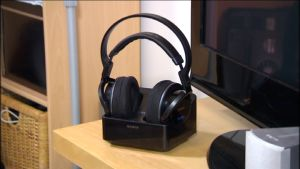 Sonyn kuulokkeet tv-tasolla