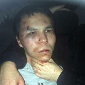 Den misstänkte mannen efter gripandet i Istanbul