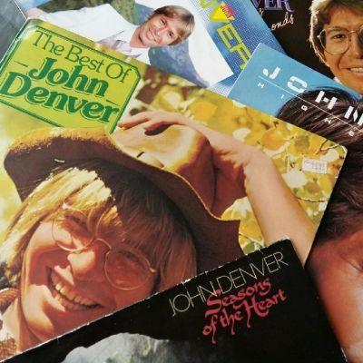 Bild av John Denver-skivkonvolut i LP-format.