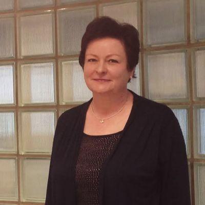 Eeva Saarinen toimii esimiehenä Palmiassa.