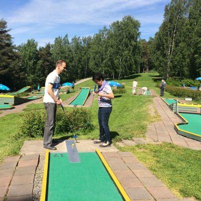 Tampereen Minigolfradalla golfattiin naiselle ammatti