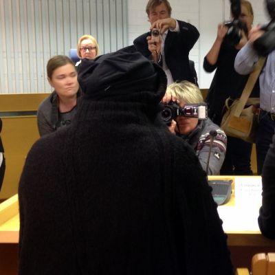 Viiden vauvan murhasta syytetty äiti on pyytänyt, että käsittely pidetään osittain suljetuin ovin.