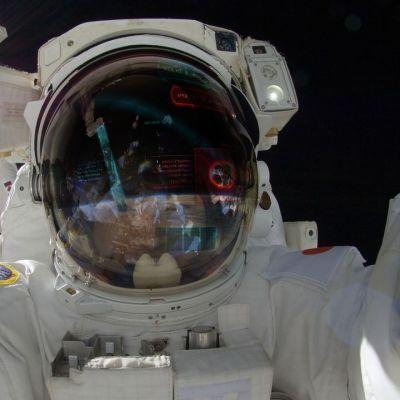 Jimmy Salermon tiimin viime vuoden kilpailussa suunnittelema avaruuslentäjien kypärän visiiri-idea oli yleisön suosikki.