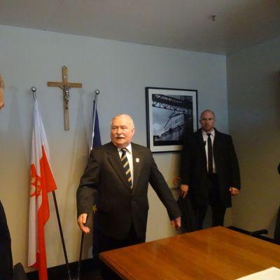 Presidentit Niinistö ja Walesa