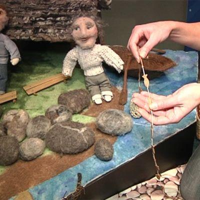 Kalajoen meriluontokeskuksen ideana on esitellä Perämerta ja sen elämää käsinkosketeltavassa muodossa. Paikalla on myös huovuttamalla tehty pienoismalli kalastajakylästä.