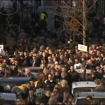Uutisvideot: Islantilaiset vaativat pääministerin eroa