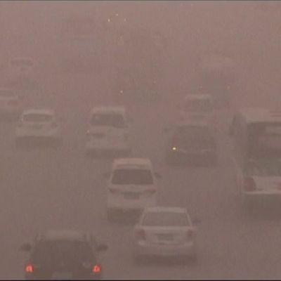 Uutisvideot: Hiekka nielaisi Luoteis-Kiinan