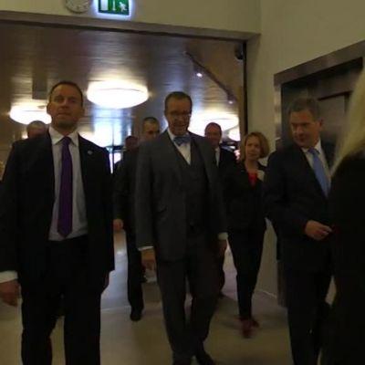 Presidentit Niinistö ja Ilves osallistuivat koululaisten kyselytunnille